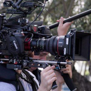 Il team Overfly.me in %country% garantisce l'intera filiera di produzione video: disponiamo internamente di equipaggiamento di grado cinematografico per rispondere a qualunque esigenza di produzione. Dal video corporate al cinema. Non solo riprese aeree High End.